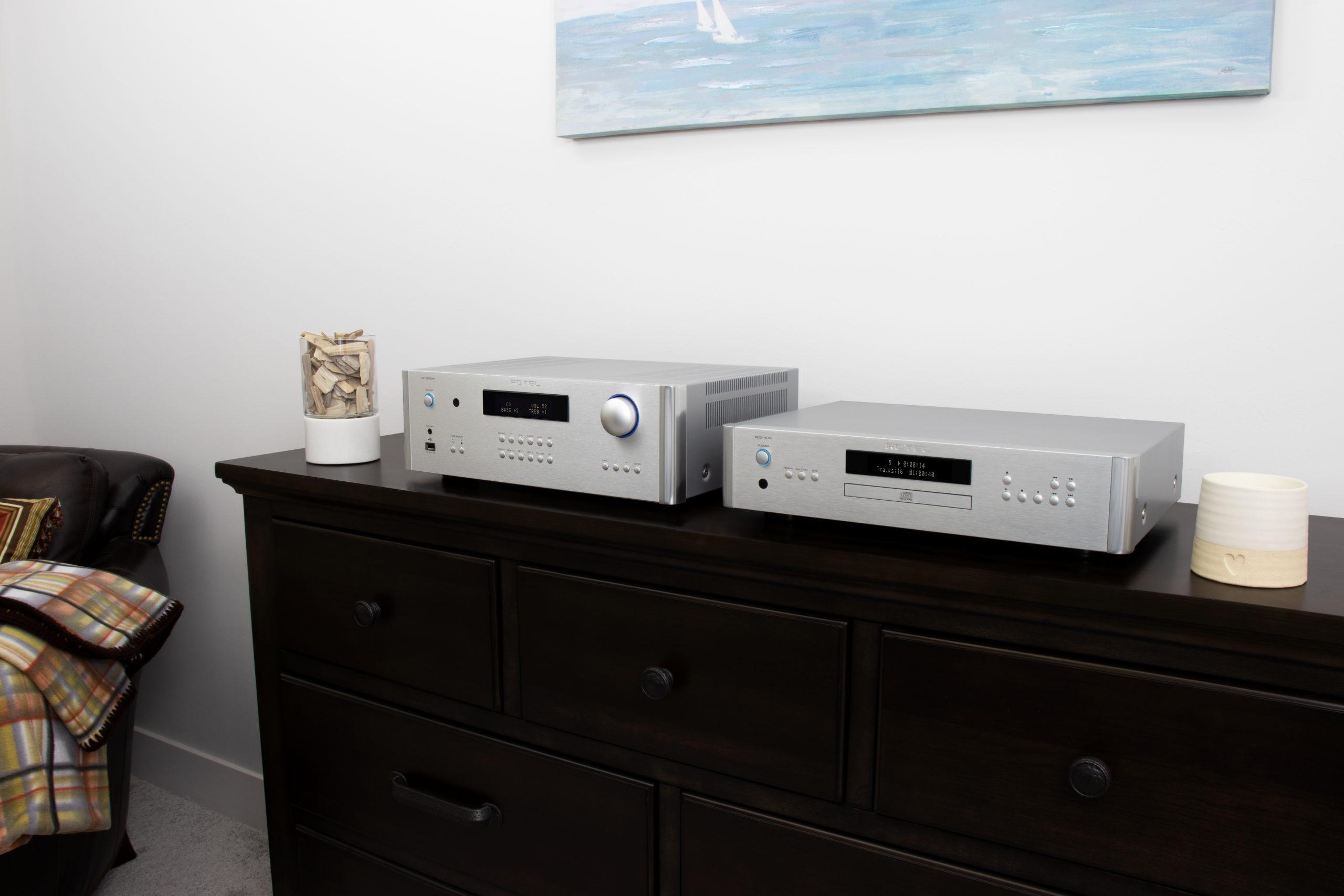 Para quienes disfrutar del HiFi: amplificadores integradores estéreo de Rotel